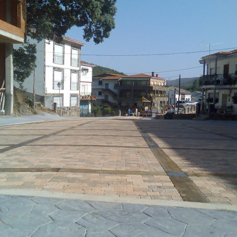 Pavimentación de Plazas en Ovejuela